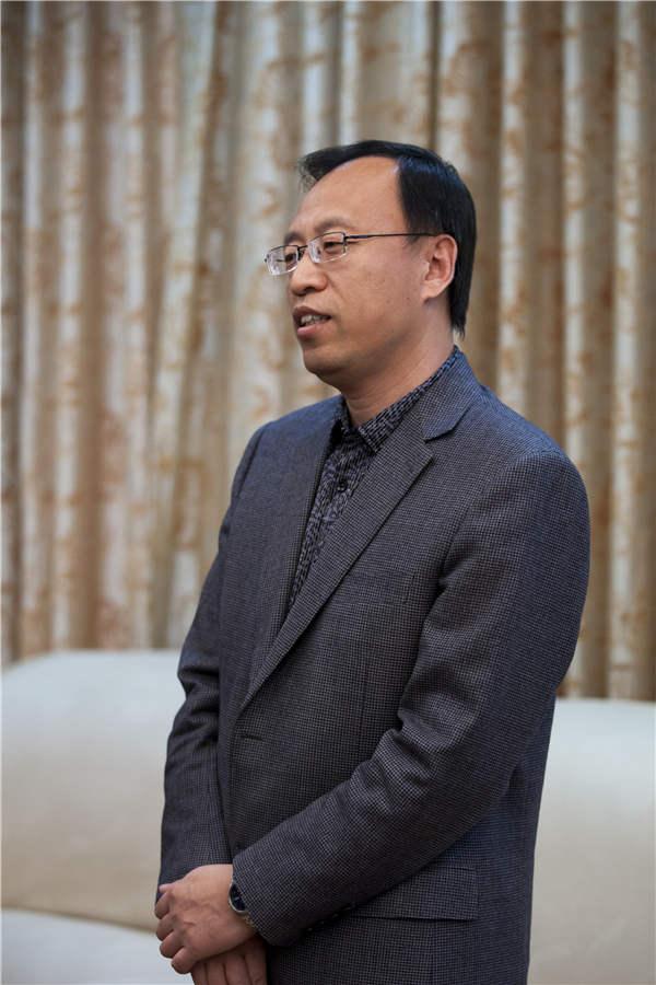 海淀教委副主任兼海淀实验中学校长---赵建国