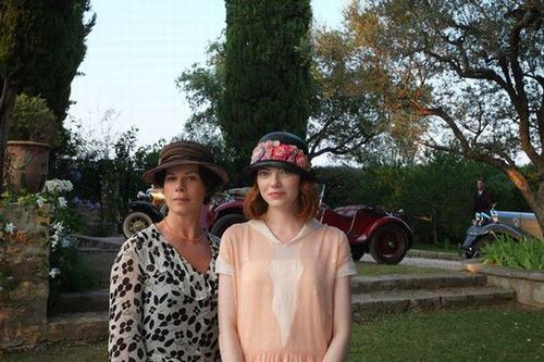 艾玛・斯通和哈登饰演一对有秘密的母女。