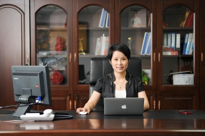 梁勤董事长_扬杰科技董事长梁勤上榜中国杰出商界女性榜