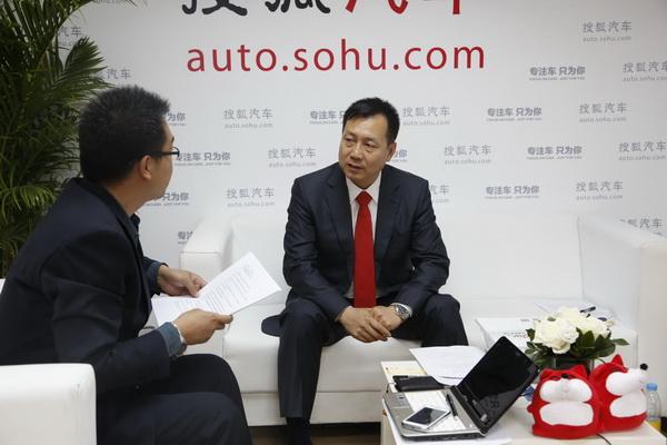 北京梅赛德斯-奔驰销售服务有限公司高级执行副总裁李宏鹏