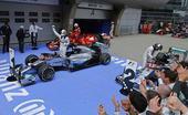 图文:2014赛季F1中国站正赛 追逐冠军