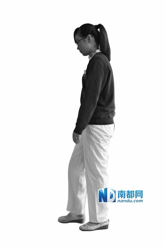 正確的走路姿勢是:頭擺正在中立位,下頜稍內收,挺胸收腹,雙眼平視前方圖片