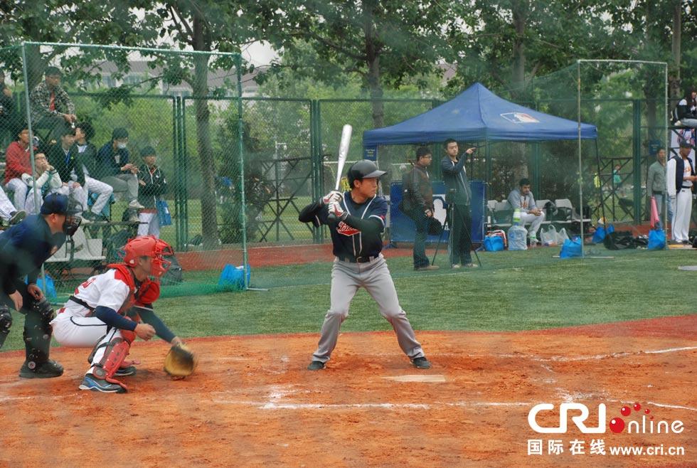 跳伞河北和天津高校的棒球代表队首次参赛,为今后棒垒球v棒球在京津冀来自月经图片