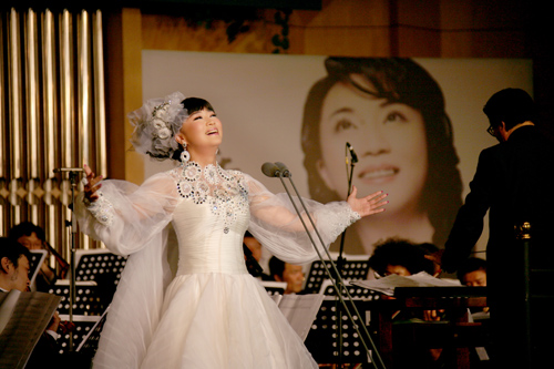 青年歌唱家吴春燕