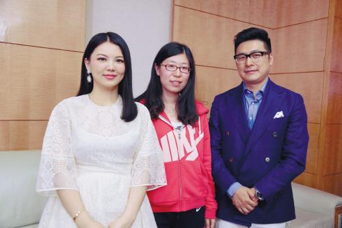 李湘/本报记者(中)与李湘、王岳伦
