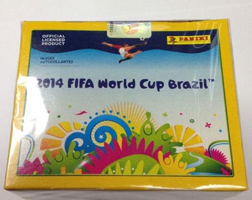 贴纸的一辆货车,里面有30万张巴西世界杯帕尼尼贴纸,该事件引高清图片