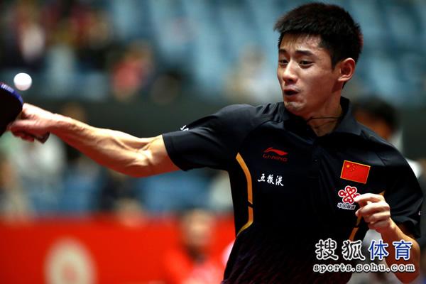 图文:中国男团3-0奥地利 挥臂瞬间肌肉毕现