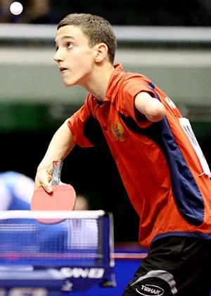 13岁独臂少年拉多维奇