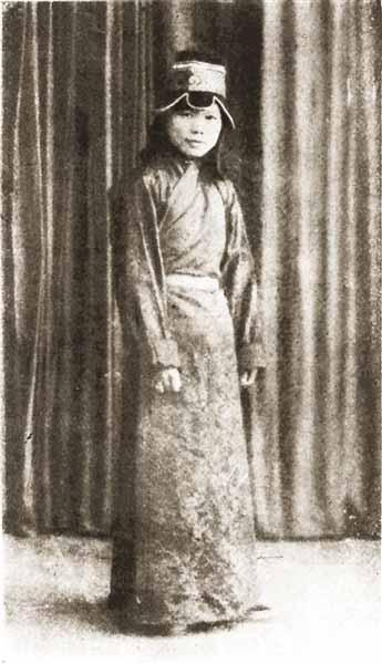 说到民国奇女,才女,人们一下子想到陈衡哲,林徽因图片