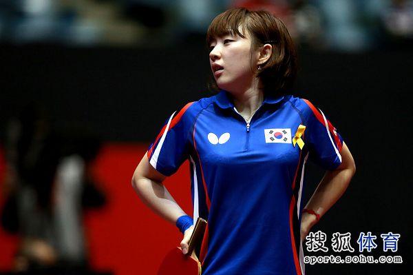 今年27岁的徐孝元,是继金�Z娥、朴美英之后韩国重点培养的削球手