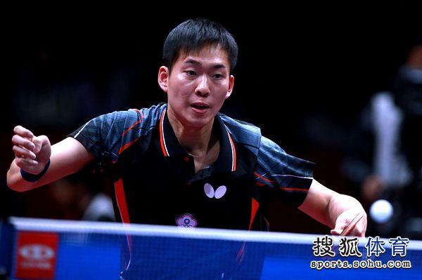图文:[世乒赛]男团晋级决赛 黄圣盛对阵张继科