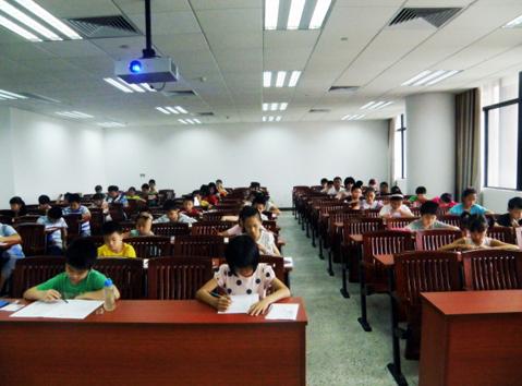 东莞市千余名考生参加2014年春季清华少儿英语等级测试