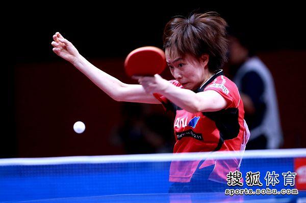 图文:[世乒赛]女团3-0日本 石川佳纯比赛
