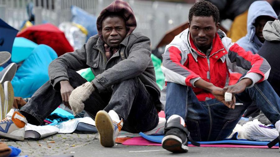 柏林广场14名非洲难民绝食抗议德国难民政策(高清组图图片