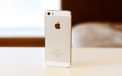 指纹识别iOS 7系统 港版iPhone 5S到货