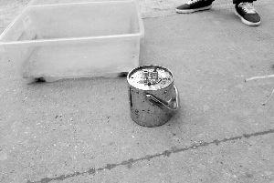 用于保存丢失放射源铱-192的铅罐
