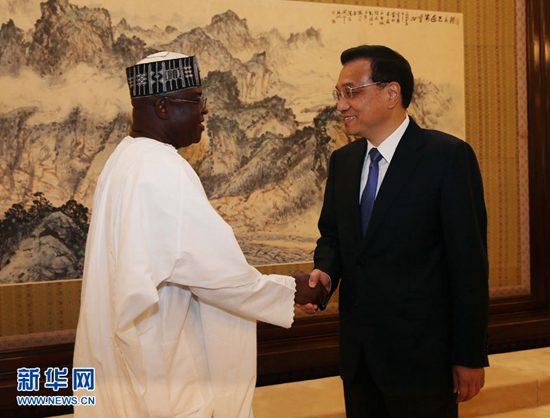 5月13日,國務院總理李克強在北京中南海紫光閣會見尼日利亞參議長馬克。 新華社記者劉衛兵攝
