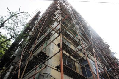 外墙施工脚手架成贼梯子 中山一居民楼两家被盗 ...