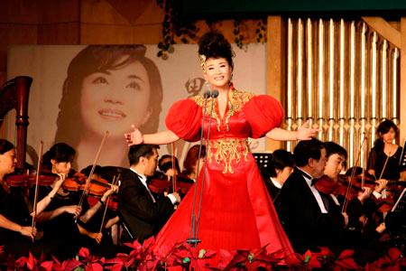 歌唱家吴春燕(资料图)