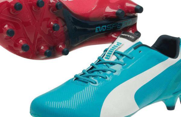 彪马双色足球鞋图片