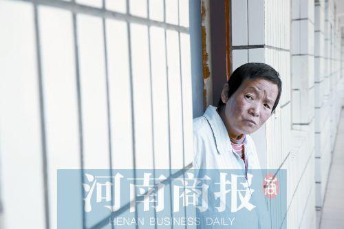 对于自己的身份,刘秋凤也说不清楚