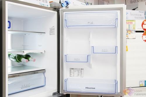 冰箱达到了国家一级能效水平,日耗电量为0.67度。采用海信独特的技术应用,让冰箱保鲜延长3倍,能耗降低7成,寿命延长2倍,噪音降低1倍。