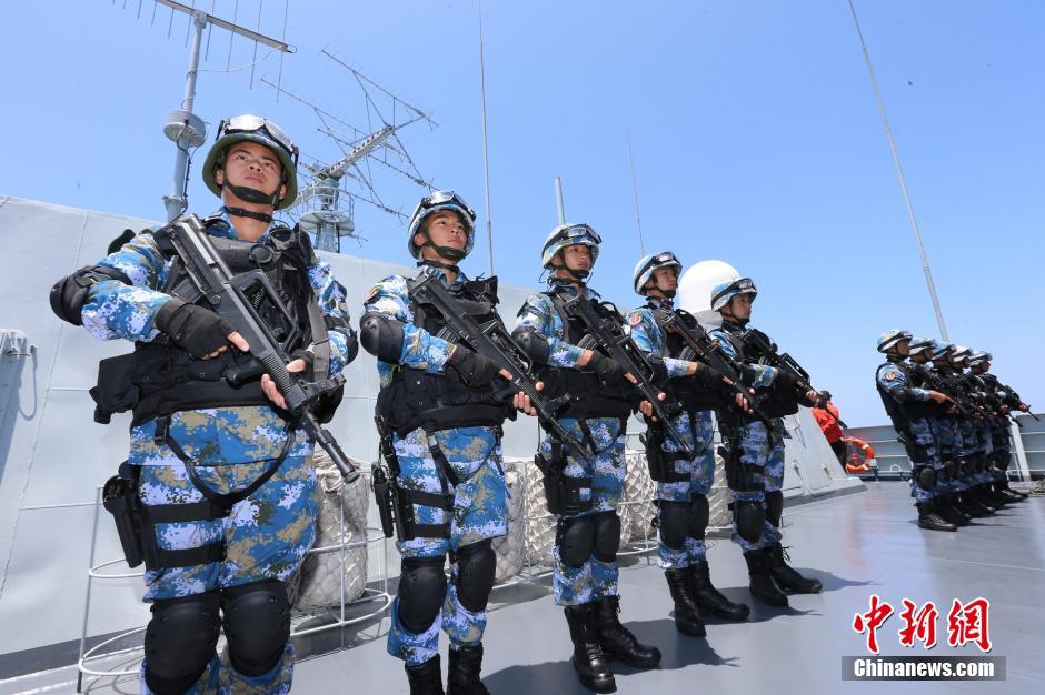 中俄在东海举行海上联合-2014军事演习(组图