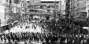 泰国士兵维持曼谷秩序
