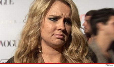 迪士尼女星蒂凡尼·托尔顿被丈夫指控绑架儿子