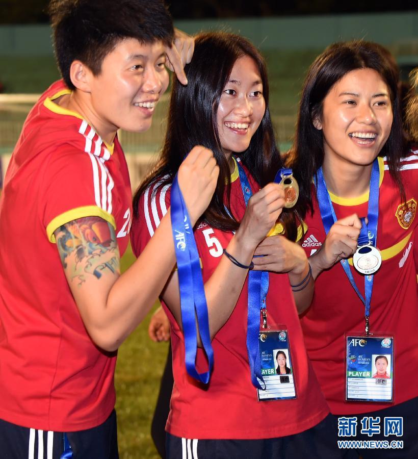 女足亚洲杯:中国队绝杀韩国获季军(组图) - 201