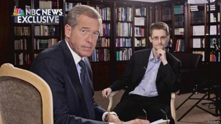 图为斯诺登接受美国全国广播公司NBC的采访。