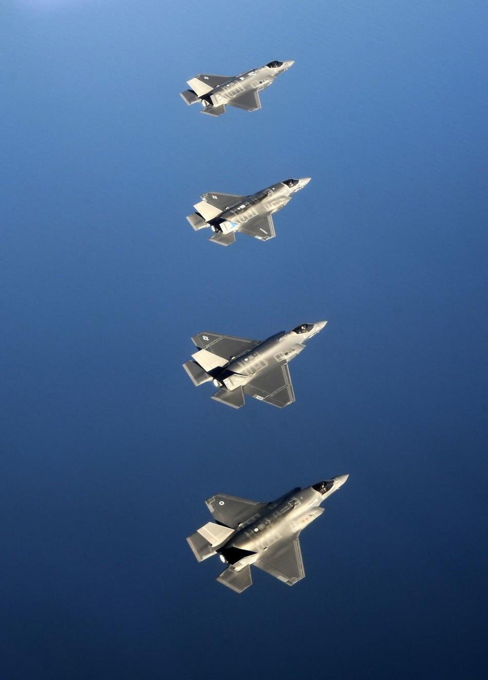 �y�yf�_4架f-35比翼飞行abc型号齐全(组图)