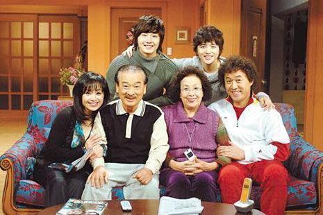 韩剧搞笑一家人演员_赵本山将翻拍韩剧《搞笑一家人》 拉长至250集-搜狐娱乐