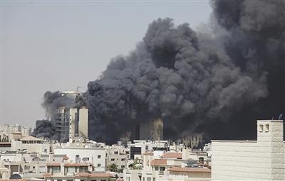 2013年8月5日,约旦安曼,一在建大楼发生火灾,恐怖阴云加重。