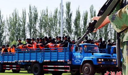 新疆宣判一批涉暴恐案件9人被判�死刑