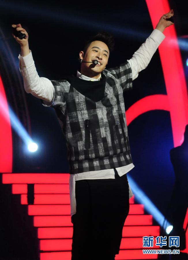 潘玮柏王者丑生销量_台湾歌手潘玮柏台北宣传新专辑《王者丑生》(组图)-搜狐滚动