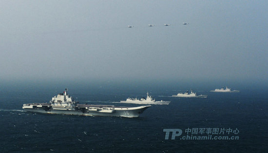 资料图:中国航母编队南海航行。