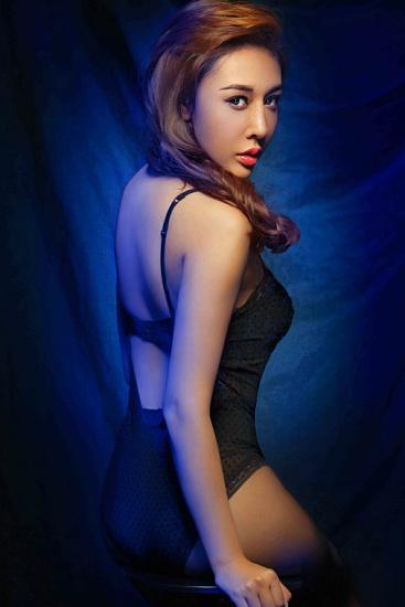 演员陈美行魅惑写真