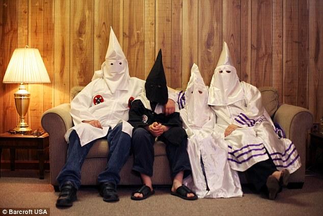 图片为3K党聚会场面 图片来源:每日邮报