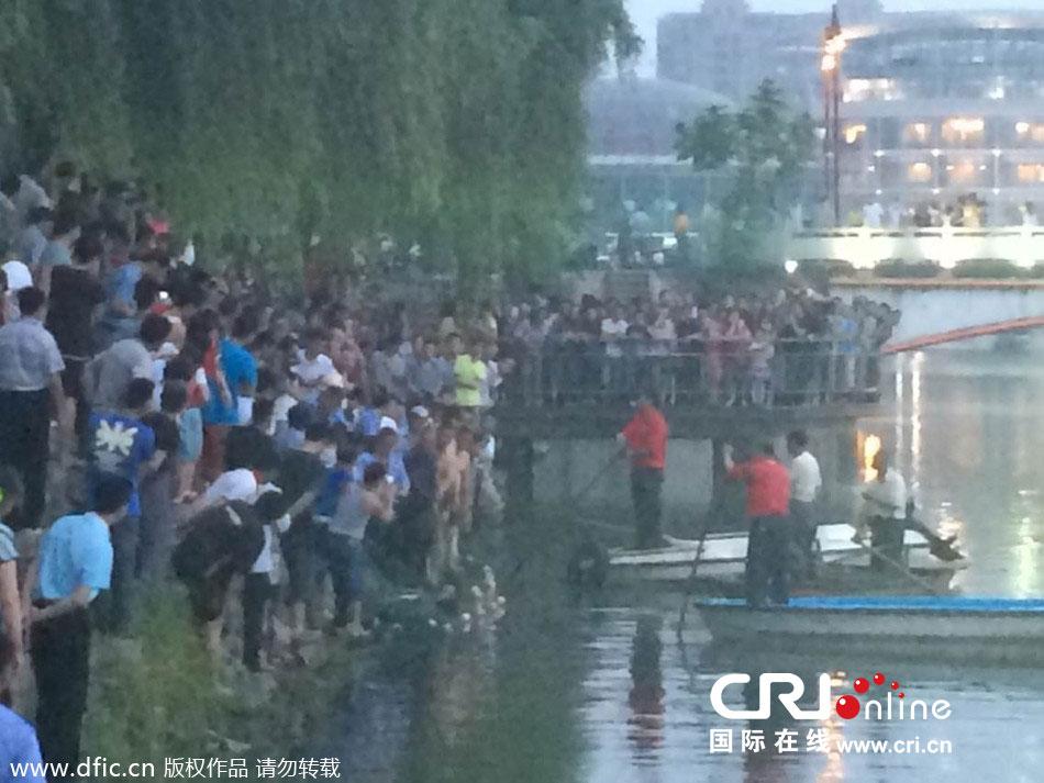 南京大学生湖中游泳不幸溺亡(高清组图)