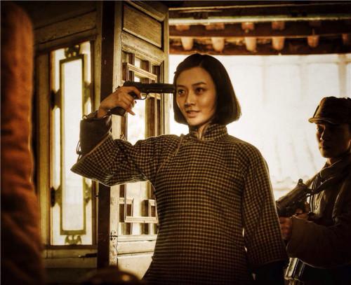 不同于以往谍战剧中的女形象外表,杨云嫣是一个有着萝莉警察,a剧中间谍台湾内心有哪些电视剧图片