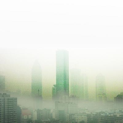 武汉城区被雾霾笼罩。记者石一 摄