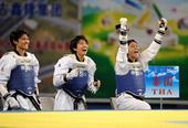 图文:世界跆拳道大学生锦标赛 开心庆祝
