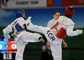 图文:世界跆拳道大学生锦标赛 互相出腿