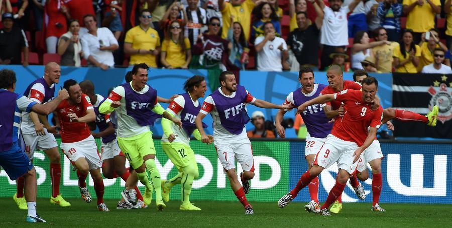 (世界杯·进球时刻)(6)足球——小组赛E组:塞费罗维奇攻入制胜一球