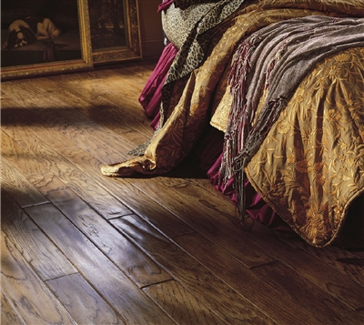 圣象三层实木地板无缝才健康- 无胶锁扣技术首创悬浮安装独特干燥技术