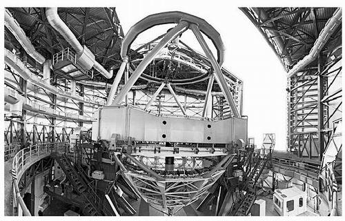 欧洲南方天文台在智利北部安置了甚大望远镜。图片来源:B. Tafreshi/ESO