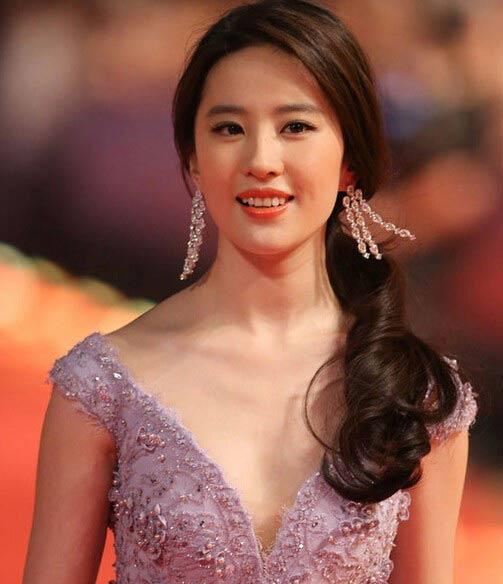摩登客:上海电影节红毯新旧女神斗艳