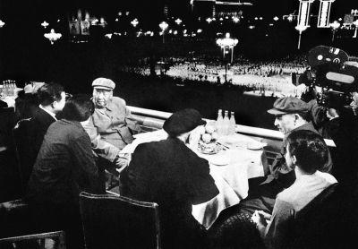 1971年5月1日,毛泽东和林彪最后一次同时出现在天安门城楼。