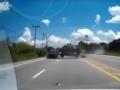 [汽车安全]高速路猛烈对撞 上演死神来了